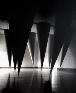 Gianni Colombo,  Spazio Curvo, 1992