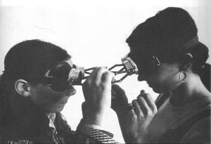 Lygia Clark, Diálogo de Óculos_Dialogue Googles, 1968
