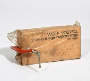 Wolf Vostell, 2 de-coll_age-happenings, berlin,1965